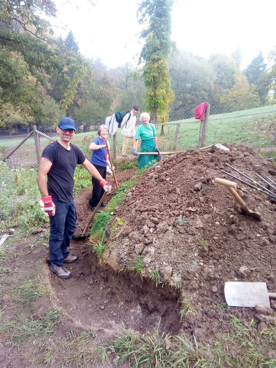 Fundamentgraben für Trockenmauer