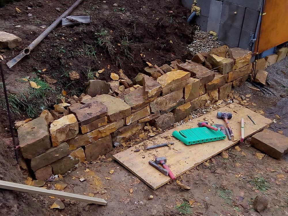 Stein für Stein zur Trockenmauer