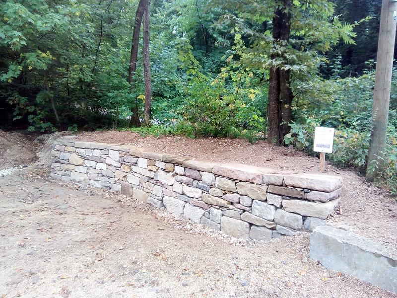 Mustermauer im Natursteinpark Rongen
