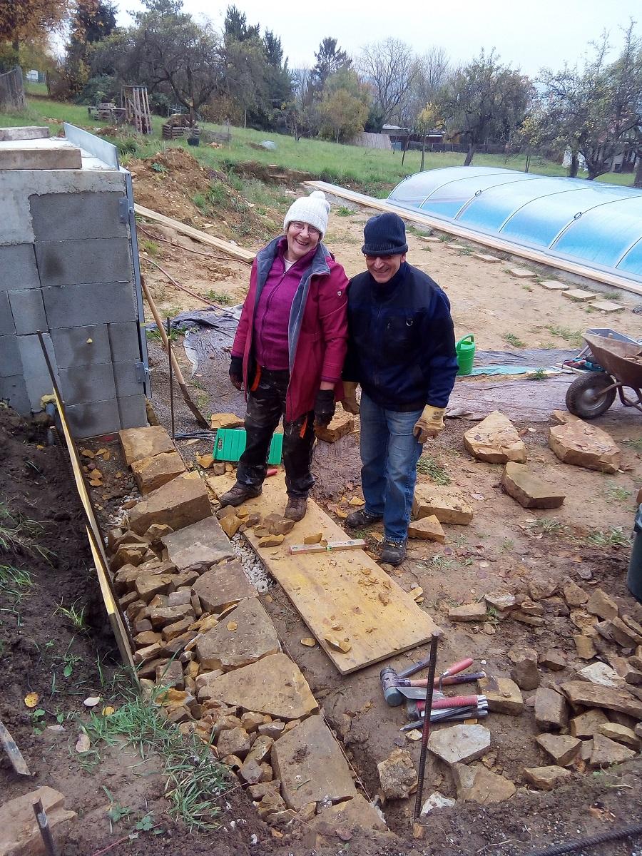 zwei steinreiche Trockenmauerbauer